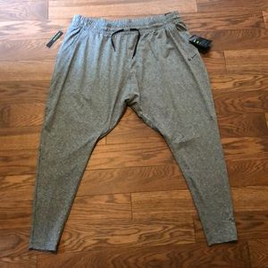 Nike NWT, Flow Lux Loose Fit Sweatpants, Size 1X